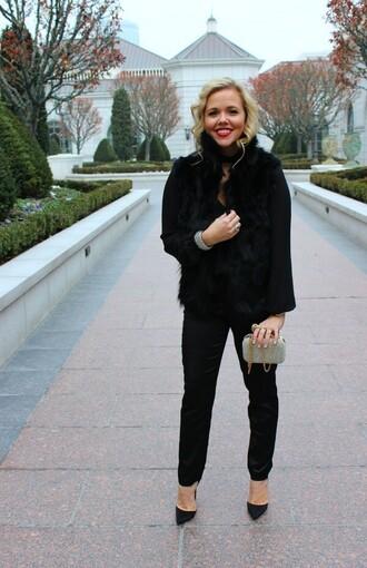 jacket the fashion canvas – a fashion & lifestyle blog bag blogger jewels shirt pants winter outfits clutch pumps