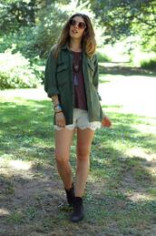 orchid grey,jacket,t-shirt,shorts,shoes,sunglasses,jewels