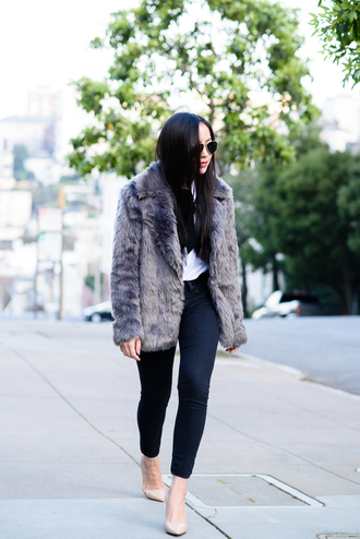grey coat faux fur coat jacket top shoes grey fur jacket fur jacket grey jacket skinny jeans black skinny jeans aviator sunglasses blogger