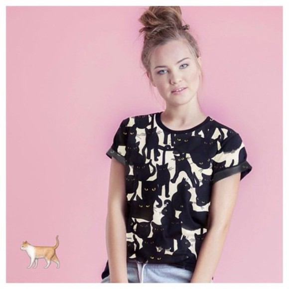 cats pattern yeah bunny t-shirt