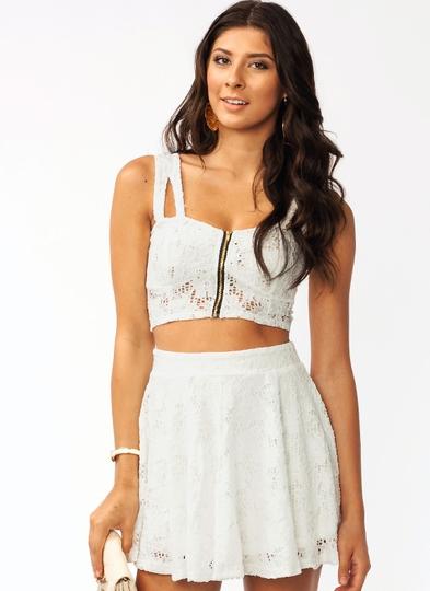Le-Crochet-Petal-Cropped-Top WHITE - GoJane.com