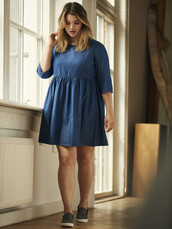 dress,chambray,long sleeve dress,curvy,plus size,plus size dress,three-quarter sleeves