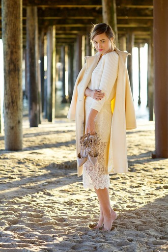 late afternoon blogger skirt sweater coat shoes sunglasses