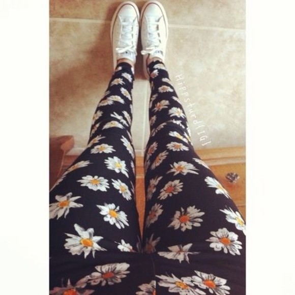 pants printed leggings daisies daisy leggings daisy pants
