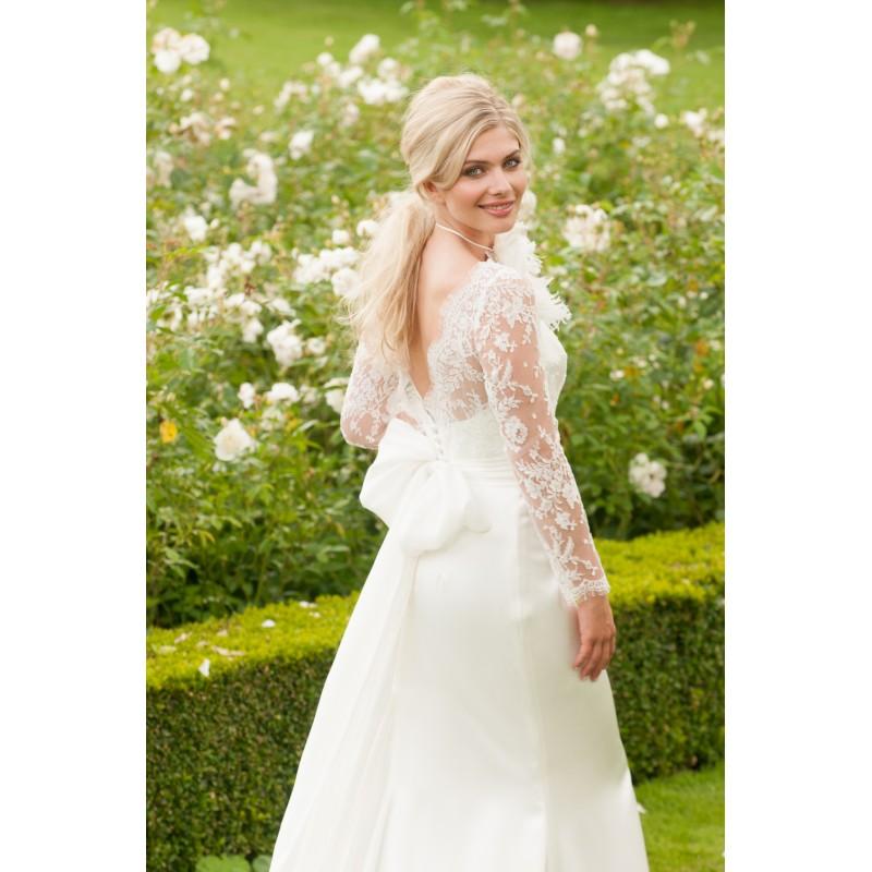 Lyn Ashworth True Romance Lovers kiss - Royal Bride Dress from UK - Large Bridalwear Retailer