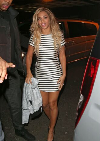 beyoncé coat dress white black white and black dress black and white heels ombre hair beautiful