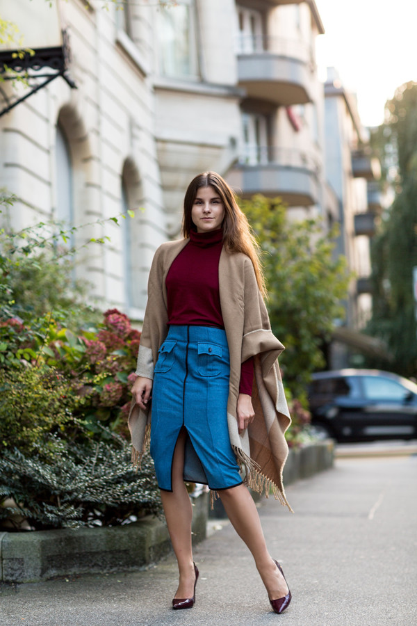 the fashion fraction blogger bag camel burgundy denim skirt