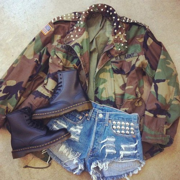 jacket boots shorts studded shorts army green jacket camouflage army green jacket blouse clothes shoes camouflage camouflage DrMartens shirt coat us army jacket inspiration camo jacket comat boots camo jacket studded jacket
