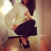 sweater,fluffy,white,girly,shirt,classy,pants