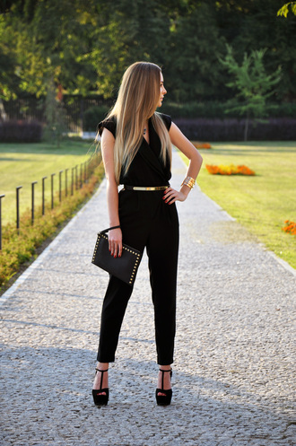 karina in fashionland pants belt bag shoes sunglasses jewels dress black jumpsuit metal gold belt jumpsuit purse high heels black gold gold belt one piece bodysuit black hand bag hot bags golden complements sweet cute