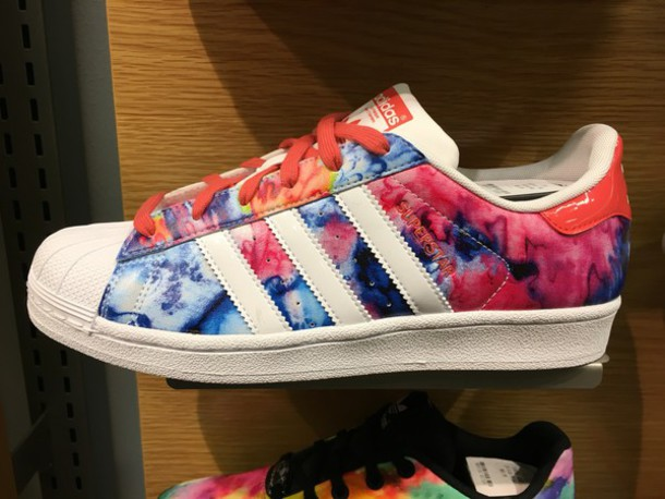 adidas superstars floral