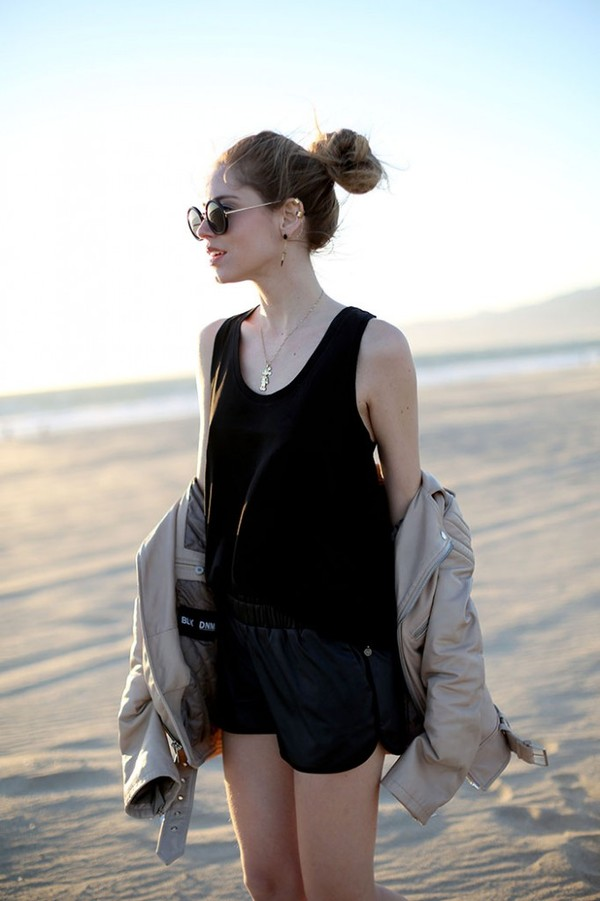 the blonde salad shorts t-shirt jewels jacket sunglasses bag