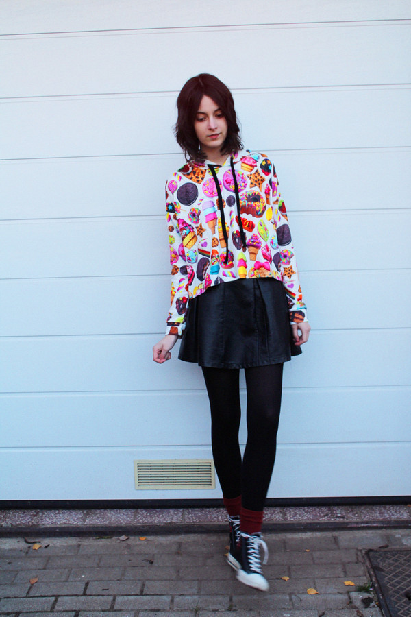 mes memos sweater skirt shoes