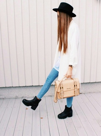 black plateau shoes boots bag shoes hat chuncky heels chuncky heels boots chelsea boots chelsea boots heeled chunky