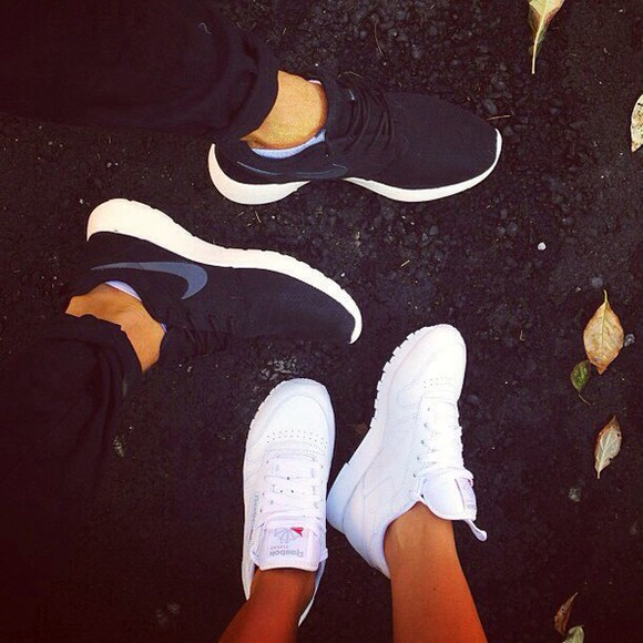 clothes shoes black and white trends nike roshe run white ones