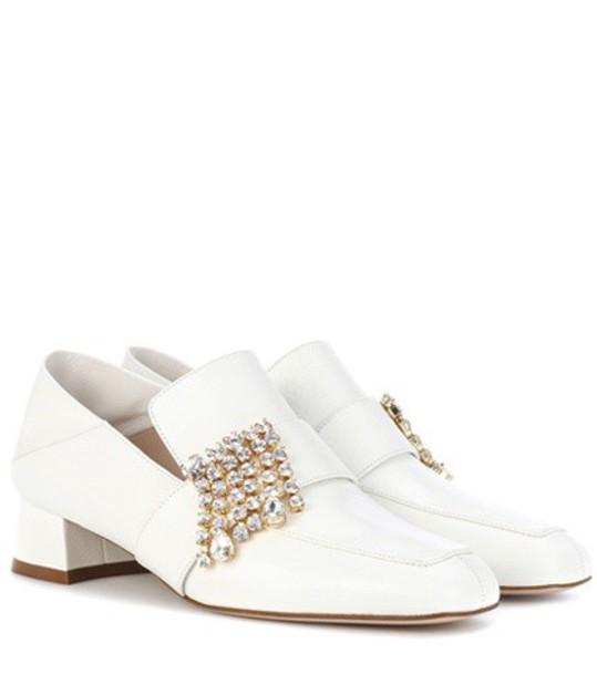 Stuart Weitzman Irises leather loafers in white