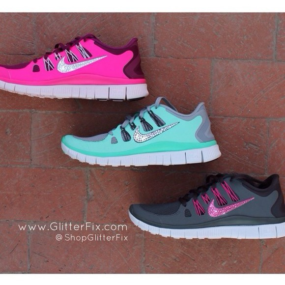 sea of shoes shoes sport grey running nike running shoes nike glitter pink blue skirt