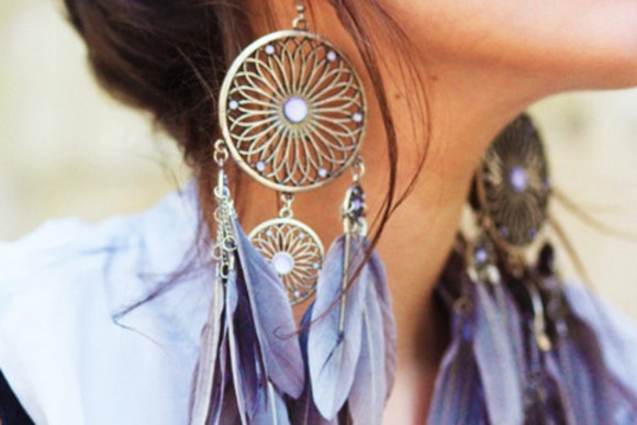 blue jewels dreamcatcher feathers jewels earrings dream catcher earrings, dream catcher earring feather earrings light blue large earrings Gold flower shape the jewel beautiful is bershka the jewels is bershka i love jewels huge