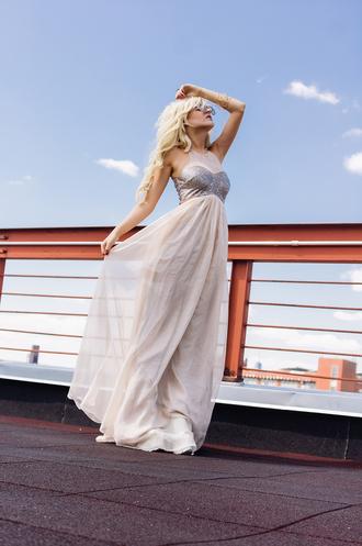 i hate blonde dress bag jewels