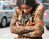 sweater,statement necklace,wood,shirt,streetstyle,jumper,mixed prints,bold print,ethnic,etno,etnico,native american,native print,native indian,nativeamerican,printed sweater,ornamented,ornaments,ornamental,ethnic print,ethno,ethnic sweater,aztec,aztec sweater,tribal cardigan,aztec dress,aztec print dress