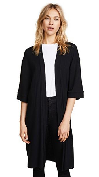 Chaser kimono open black top