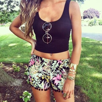 shorts cute outfit tank top flora black tank top flowered shorts sunglasses round sunglasses shirt jewels top floral black pink green tumblr crop tops cropped printed shorts print clothes summer black crop top flowers exotic jewelry gold gold jewelry gold bracelet bracelets gold round sunglasses gold sunglasses