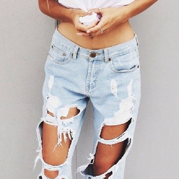 jeans acid wash jeans ripped jeans pants ripped loose jeans denim boyfriend jeans ripped ripped light jeans ripped jeans baggy baggies rip acid wash zara jeans pia mia perez where can i buy acid wash boyfriend cut-out sommer hot style celebrity fashion lookbook streetwear fashion destroyed boyfriend jeans teenagers