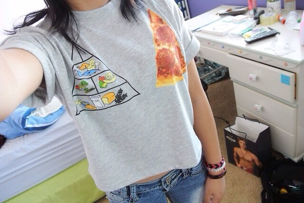 t-shirt crop tops grey food pizza triangel illuminati