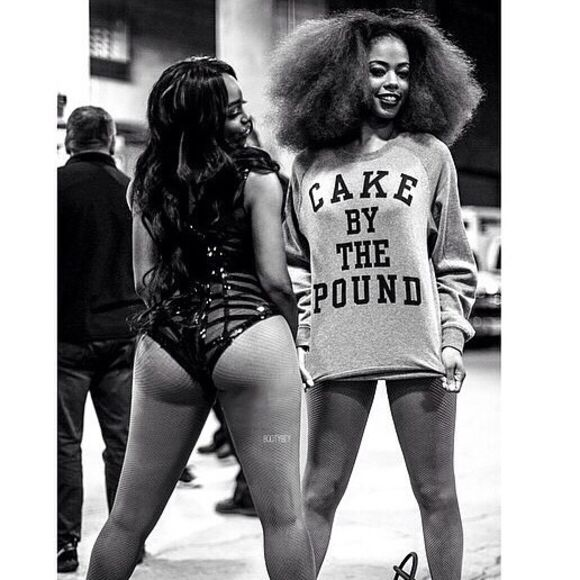 beyoncé cake long sleeves quote on it cute top booty sweater beyonce shirts beyoncé shirt beyonce fashion curly hair grey t-shirt tights african american black girl crewneck