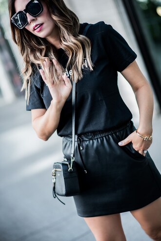 skirt mini skirt faux leather skirt drawstring skirt t-shirt blogger blogger style crossbody bag