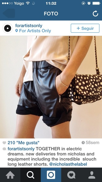 shorts patterrn black fur clutch