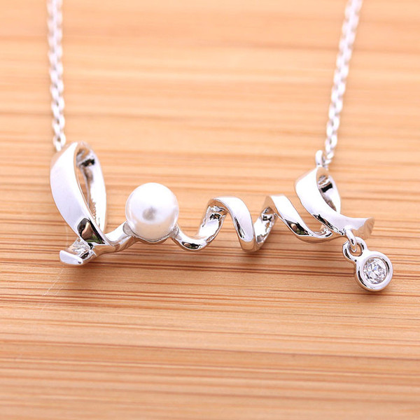 jewels jewelry love love necklace pearl crystal heart
