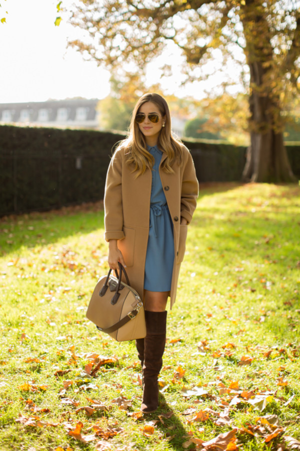 gal meets glam blogger bag sunglasses camel boots fall outfits