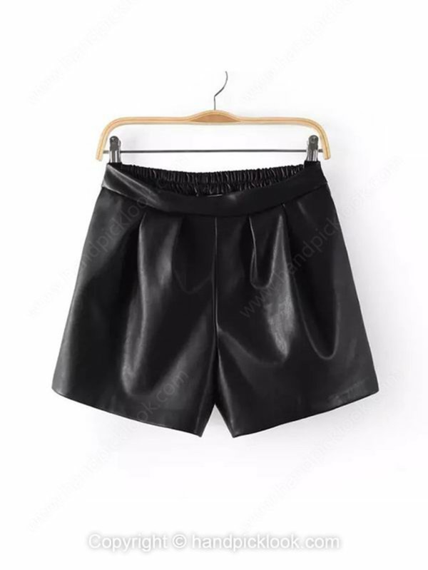 black bottom pu short