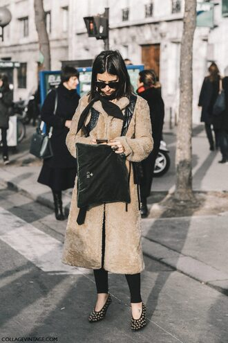 coat tumblr fashion week 2017 streetstyle camel camel coat teddy bear coat fuzzy coat bag black bag sunglasses black sunglasses black leggings leggings shoes eyelet detail