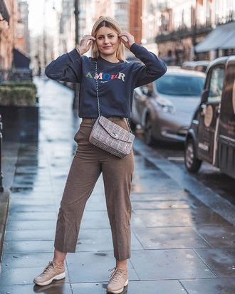 top sweater blue sweater pants khaki pink sneakers bag khaki pants sneakers crossbody bag