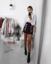 dress,white blouse,black skirt,flowers,floral,roses,classy,skirt,black,rose