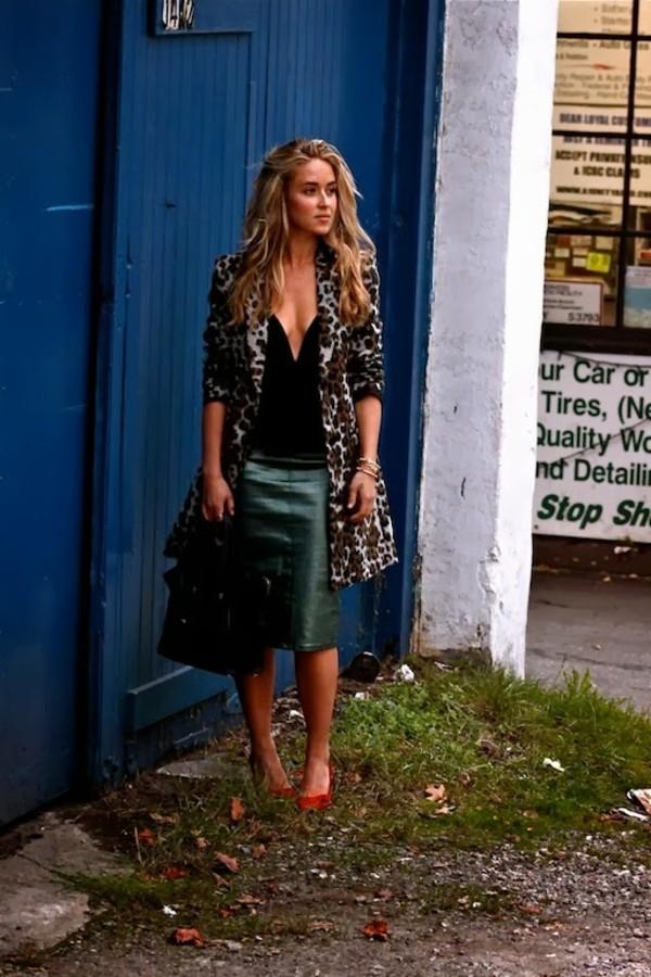 a fashion love affair t-shirt skirt jacket bag shoes