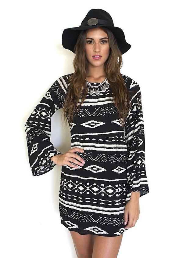black and white dress tribal print dress open back dresses black and white tribal print long sleeve dress boho chic www.ustrendy.com patterned dress dress