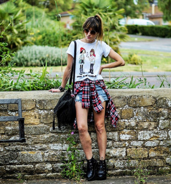 top t-shirt bag summer outfits stylemoi streetstyle