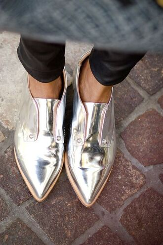 shoes pointed toe metallic shoes silver silver shoes