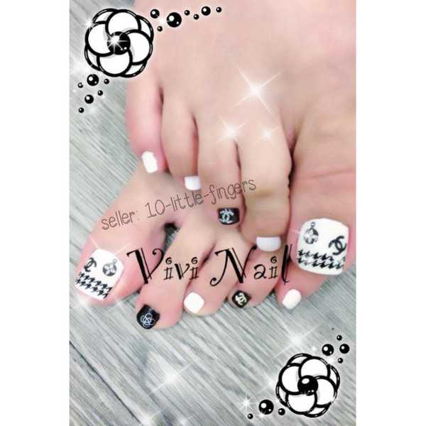 nail accessories chanel prada louis symbol logo brand designer rose flowers glitter manicure pedicure diy houndstooth louis vuitton stickers decals nails