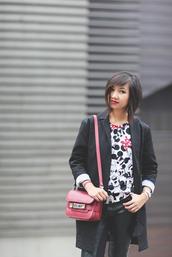 le monde de tokyobanhbao,blogger,jewels,make-up,minnie mouse,eleven paris,sweater,jacket,pants,bag,nail polish