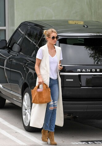 coat top vest spring spring outfits model off-duty jeans sunglasses ankle boots purse rosie huntington-whiteley bag