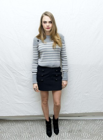 sweater stripes cara delevingne skirt ankle boots paper towns