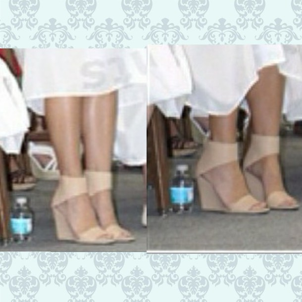 shoes beige shoes chaussures chaussures à talons wedges nude sandals