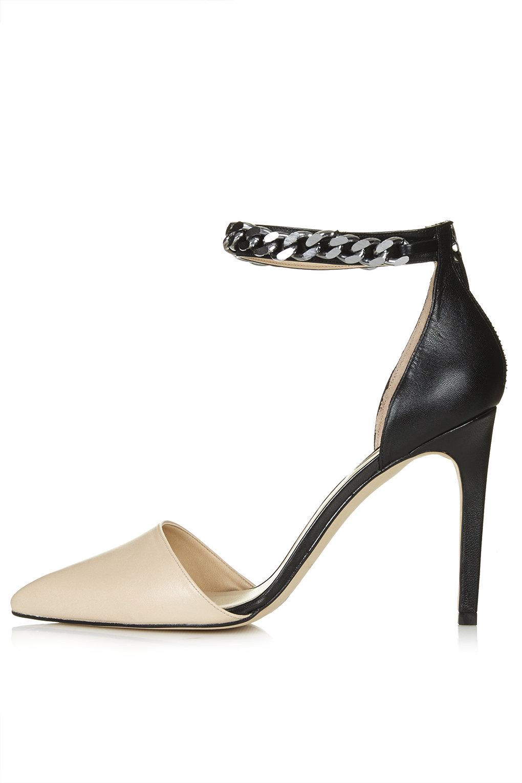 Geraniam chain court shoes