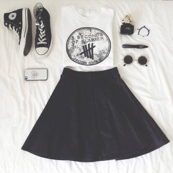 shirt white black skirt black skater skirt shoes black skirt skater skirt t-shirt black and white converse converse high tops jewlery blue skirt sunglasses