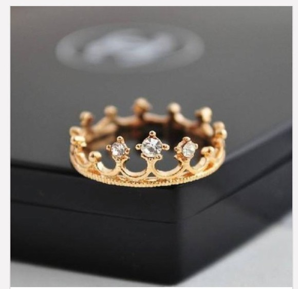 wedding clothes jewels ring