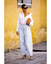 jeans,wide-leg pants,denim,mid heel sandals,white shirt,sunglasses,oversized,bag